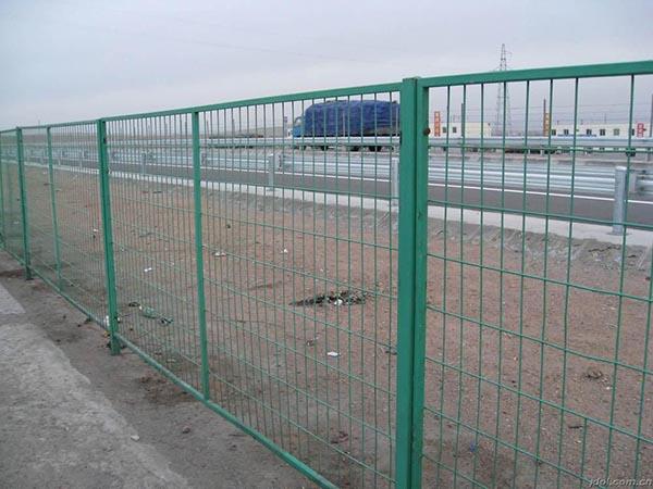 公路隔离栅